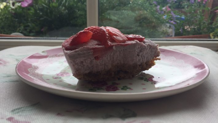 Raw Vegan Sugar Free Gluten Free Everything Free Strawberry Cheesecake